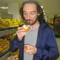 TROPICALIZE ME! Task #45 submitted by Katy Hernandez «Comerse las frutas del supermercado y no pagarlas o tomarse un yogurt, dejar el vasito escondido y no pagarlo.», August 2010 - Bogotá, Colombia.
