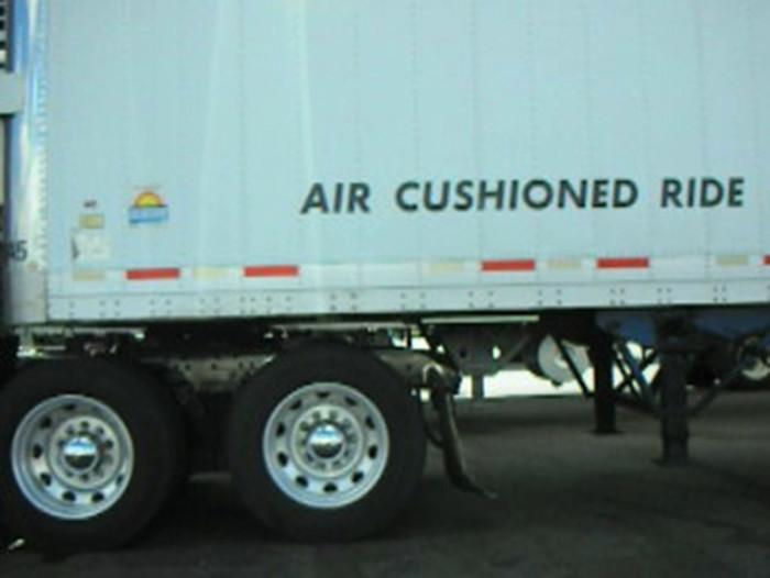 3. Anri Sala, Air-Cushioned Ride, 2006, still. Foto Cortesia do artista