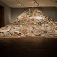 Andres Felipe Gallo, Acupuntura urbana, 2016, Instalación in situ, 9,34 x 3,15 x 8,70 mts. Cortesía: AÚN 44 Salón Nacional de Artistas | Tatiana Toro Ríos