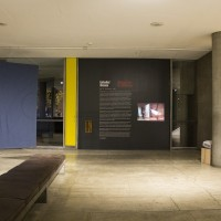 Installation view, Embodied Absence: Chilean Art of the 1970s Now, Carpenter Center for the Visual Arts, Sert Gallery, Oct 27, 2016–Jan 8, 2017. Shown: Felipe Mujica and Johanna Unzueta, La tierra pone en equilibrio los extremos (The Earth Balances the Extremes), 2016. Courtesy Carpenter Center for the Visual Arts, Harvard University.