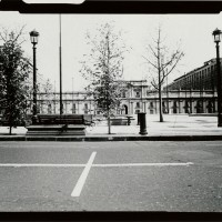 Lotty Rosenfeld , Palacio de la Moneda (The Moneda Palace), 1988. Gelatin silver print. 20 x 27 in. (framed). Harvard Art Museums/ Fogg Museum, Transfer from the David Rockefeller Center for Latin American Studies, Harvard University, Estrellita Bograd Brodsky Fund for Latin American Art and Culture and Gustavo E. Brillembourg Memorial Fund.