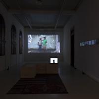 Vistas generales. Poemas concretos de Francisca Benítez. Die Ecke Arte Contemporáneo, Santiago, Chile. 2016. Cortesía de Die Ecke Arte Contemporáneo