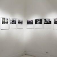 Vista de exposición, 2016. Inyección de tinta sobre papel fotográfico. 45 x 40. Cortesía: Galería Machete y Emmanuel del Real. Crédito de la foto: Ariette Armella.