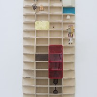 Edgar Orlaineta, My Arizona, Your Detroit, 2016. Plywood, original Katsina, Monokote, brass, wood (walnut, cottonwood), vintage photo, acrylic paint, epoxy resin. Dimensions: 123 x 49 x 27 cm. Courtesy of the artist and PROYECTOSMONCLOVA. Photo: Patrick López Jaimes