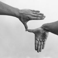 Francisca Benítez, 'América' de un poema en ASLSCh (ASL + LSCh) con dos formas de la mano (A+B), 2016. Impresión digital inkjet con pigmento perdurable en papel libre de ácido. 78 x 62 cm. PA