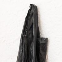 Tatiana Trouvé, The Guardian (detalle), 2013. Bronce patinado, cobre, pintura / patinated bronze, cooper, paint. Cortesía de Museo Experimental el Eco. Fotografía: Rodrigo Valero Puertas.