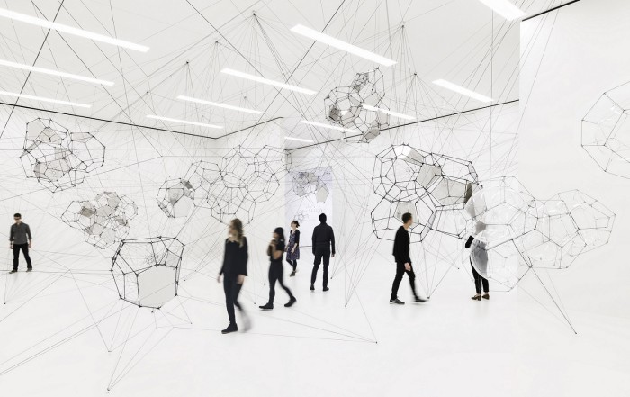 1. Tomás Saraceno Stillness in Motion—Cloud Cities; installation view at the San Francisco Museum of Modern Art, December 17, 2016–May 21, 2017; photo Katherine Du Tiel