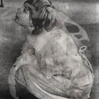 La oración, 1993. Mixta, emulsión fotográfica. 174 x 140 cm. Colección Gabriel André.