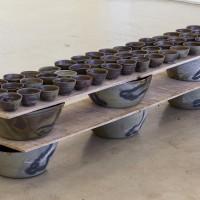 Matthew Lutz-Kinoy, Untitled, 2017. Anagama fired ceramic. 55 × 212 × 44 cm / 21.6 × 83.4 × 17.3 in. Courtesy of Mendes Wood DM, São Paulo.