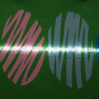 Hector Madera, Yo feliz, amándome, 2017. Papel y neón. Medidas variables. Cortesía: Galería Karen Huber / Espacio KB. Crédito de la foto: Octavio Rivadeneyra