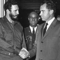 -Abrazo de Acatempan-. Nixon y Castro se saludan. Foto tomada de internet.