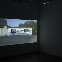 Tercerunquinto, Restauración de una pintura mural, 2016. Video proyección con sonido. Cortesía de los artistas, Proyectos Monclova y Fundación CALOSA, Irapuato. Fotografía: Ana Blanco