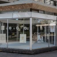 Vista de instalación: Juan Castillo, De la circulación de las imágenes, 2017. Cortesía de Galería Tajamar, Santiago.