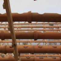 Detalle de instalación in situ (Sistema hidropónico en barro) Cubo, SAPS. Cortesía de Sala de Arte Público Siqueiros, Ciudad de México.