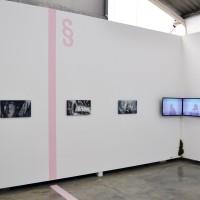 Detalle de instalación in situ (de izquierda a derecha): I'm With You; Working; Living Will; Libertad. 2017. Serigrafía en espejo, y video. 50 x 28 cm (19.69 x 11.02 in), y 16 min. Cortesía de Anonymous Gallery, Ciudad de México. Foto: Tomás Pérez.
