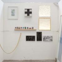 Detalle de bodega. Obras de Santiago Pinyol, Mariana Murcia, Paulo Licona y Andres Toro. Cortesía de CARNE