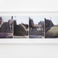 Escalera de Manoa. Inyección tinta sobre papel de algodón. 48,2 x 1,11 cm. Ciudad Bolívar 1991/1994/2010. Cortesía de Abra Caracas. Fotografía: María Teresa Hamon