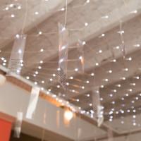La historia de Claudia Córdova Guerra (detalle), 2017. Impresiones inkjet sobre acetato y red de LED. Medidas variables. Cortesía de Big Sur, Buenos Aires.