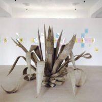 José Carlos Martinat, Agabe, 2016. Estructura metálica, espuma y cemento. 195 x 170 x 190 cm. Cortesía de Revolver Galería