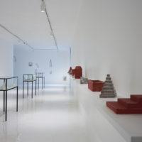 Vista de instalación. Francisco Larios, Mar Bermejo. Galería Hilario Galgueria, 2017. Fotografía y cortesía de Galería Hilario Galguera