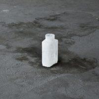 Leonel Salguero, Jarra. Sugar glass. Edition of 25. Variable dimensions. Courtesy of the artist. Photo by Ramiro Chávez
