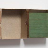 Gabriel de la Mora, Cristales de inevidencia, 2014. Cristales de diapositivas estereoscópicas en caja de cartón. 10.9 x 10.9 x 4.4 cm. Cortesía de PROYECTOSMONCLOVA. Foto: Rodrigo Viñas.