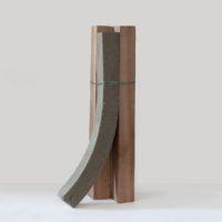Sem título (coluna) II, 2017. 170 x 60 x 35 cm. Ed. 2 + PA. Courtesy of Central Galeria.