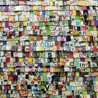 Dani Umpi, Maldito Duende. Curaduría: Gachi Hasper. Diseño de montaje: Osías Yanov. Imagen cortesía de Hache Galería, Buenos Aires, Argentina, 2017. Fotografía: Ignacio Iasparra.
