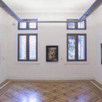 Vista de instalación. Utopía y crisis. Colección MSSA, 2017. Imagen cortesía de Museo de la Solidaridad Salvador Allende.