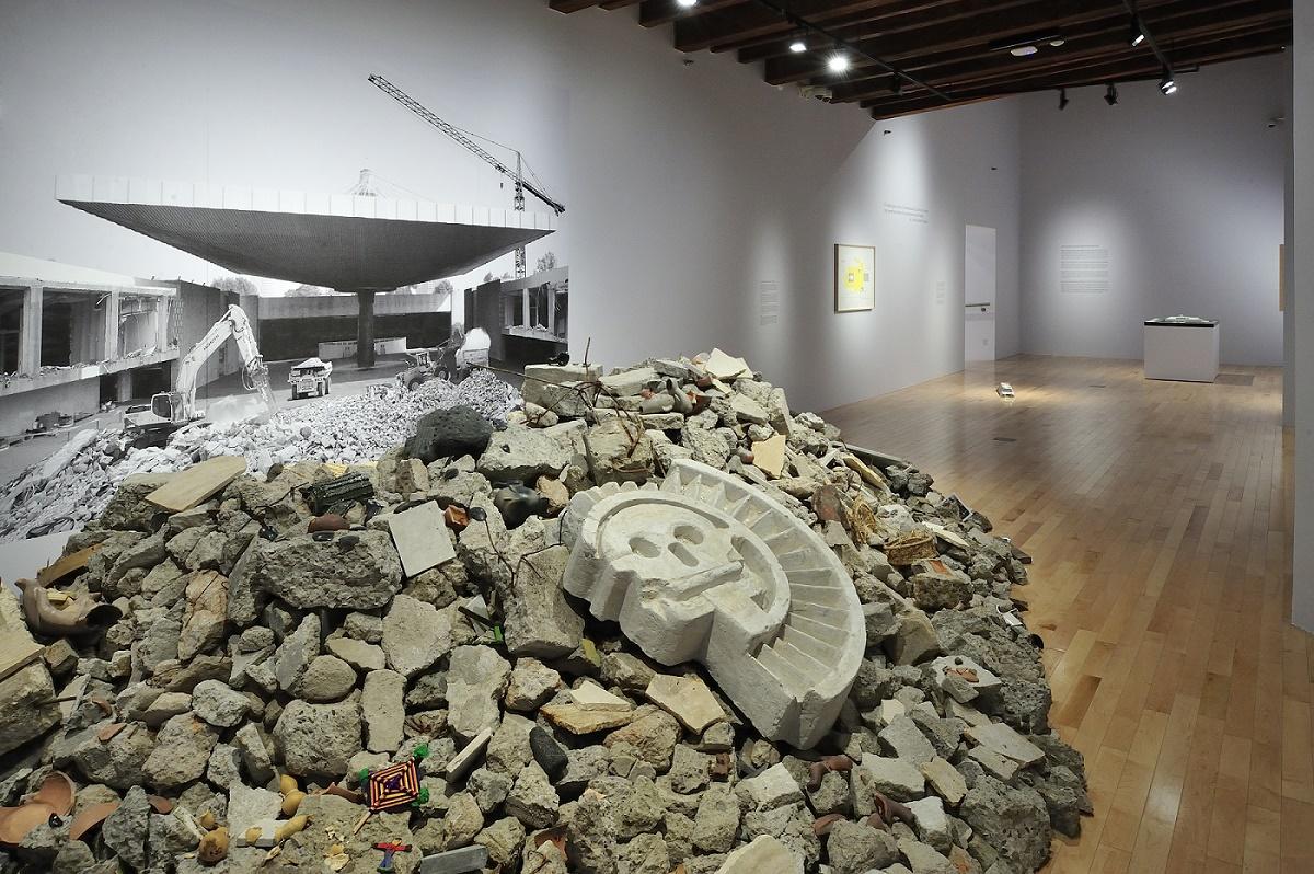 Tipología del estorbo: Eduardo Abaroa at Museo Amparo, Puebla, México