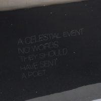 un evento celeste, sin palabras para descibirlo, deberían haber enviado a un poeta, 2017. Acrílico, polvo de plata sobre tela. Cortesía de joségarcía ,mx - mérida