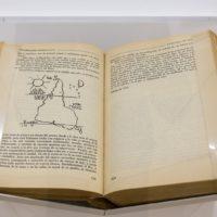 Joaquin Torres García, Universalimo Constructivo, 1944. Libro. Buenos Aires. Poseidón. 1944. Coleccion MALBA. Cortesía de MALBA, Buenos Aires.