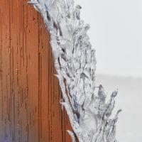 Detail, Gwladys Alonzo, Concret III, 2017, Plomo, aerosol, 77 × 9 × 30 cm, Photo: Sergio López, Courtesy: El cuarto de máquinas.