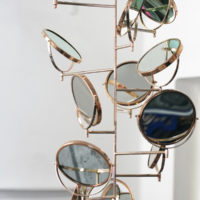 Thomas Glassford, Vanity X Cyclops, 2017, Gold plated mirrors and metal stand 90