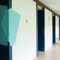 Esvin Alarcón Lam. Vista de la exhibición Detrito Federal, Casa Niemeyer, Brasilia, 2017. Cortesía del artista