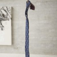 Liana (detalle), instalación: corbatas, 2017. Cortesía de Rovolver Galería