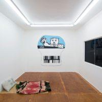 Colectivo Arte y Trabajo BWEPS. Vista de la exposición NAFTAlgias, Espacio Deslave, Tijuana, México, 2017. Cortesía de Espacio Deslave