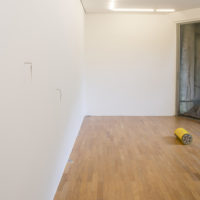 Nina Canell. Installation view of Polyethylene-Insulated Smear, Mendes Wood DM, São Paulo, Brazil, 2017. Courtesy of Medes Wood DM