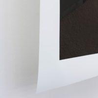 Sin título 4 (Partidas Simultáneas) [detalle], 2017. Fotografía impresa Inkjet sobre papel. Enhanced Matte sin montar, soporte de acero. 100 x 140 cm. Imagen cortesía de Pasto Galería. Foto: Estefanía Landesmann
