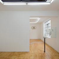 Oa4S. Vista de la instalación Spirit Butterfly X en Lodos Gallery, Ciudad de México, México, 2018. Cortesía de Lodos Gallery