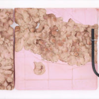 Cuenca de yeso, manguera negra (detail), plaster, unfired clay, metal fixations, black rubber hosepipe, 2018; Exhibition view of LUFFA, Guadalajara90210, Guadalajara, Mexico, 2018 © Guadalajara90210 and the artist