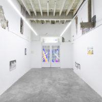 Exposición colectiva. Vista de El día después de San Valentín en Malteada La Vida, Monterrey, México, 2018. Cortesía de Malteada La Vida