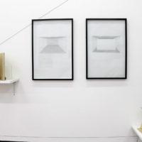 Vista de la exhibición Geometría Primitiva, en Galería Mercado Negro, Cholula, Puebla, 2018. Cortesía de Galería Mercado Negro