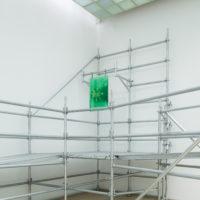 Adolfo Bimer, 241. Vista de instalación:Leer un rayo, Sagrada Mercancía en Galería Patricia Ready. Foto: Felipe Ugalde. Imagen cortesía de los artistas.