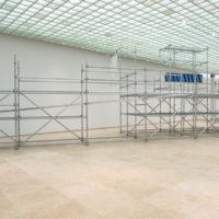 Vista de instalación:Leer un rayo, Sagrada Mercancía en Galería Patricia Ready. Foto: Felipe Ugalde. Imagen cortesía de los artistas.