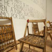 Vista de instalación, Take a Seat. La Ribot en Centro Cultural de España en México, Ciudad de México. Imagen cortesía de CCE.