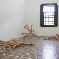 Naufus Ramírez Figueroa. El guardián del bosque, 2018. Vista de instalación en Proyectos Ultravioleta. Imagen cortesía de Kadist