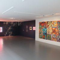 Construyendo puentes. Arte chicano/mexicano de Los Ángeles a Ciudad de México. Vista de sala. Cortesía MACG