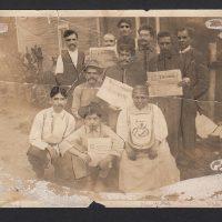 Members of the Partido Liberal Mexicano and supporters of Regeneración in Edendale, Los Angeles, 1914. Courtesy of La Casa de El Hijo del Ahuizote, Photographic Collection