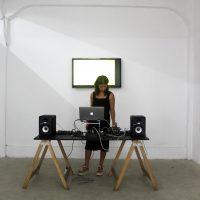 Francesca Dasso trabaja en un AV Performance en ABLi (2019). Imagen cortesía de ABLi Arte Bienal en Lima